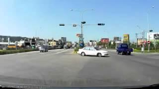 高速公路 瞎爆了 的 車禍 你累了嗎 9 26 ds1
