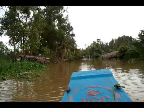 boat cruise Bac lieu Vietnam