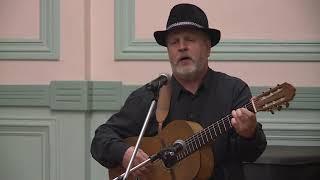 Владимир Сергеев исполняет песню А. Суханова ''Колокольчик''.