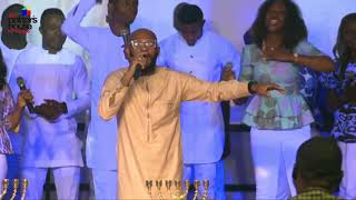 Thanksgiving Service Special S๐ng with Paul Chisom and The Potter's Wheel Choir.