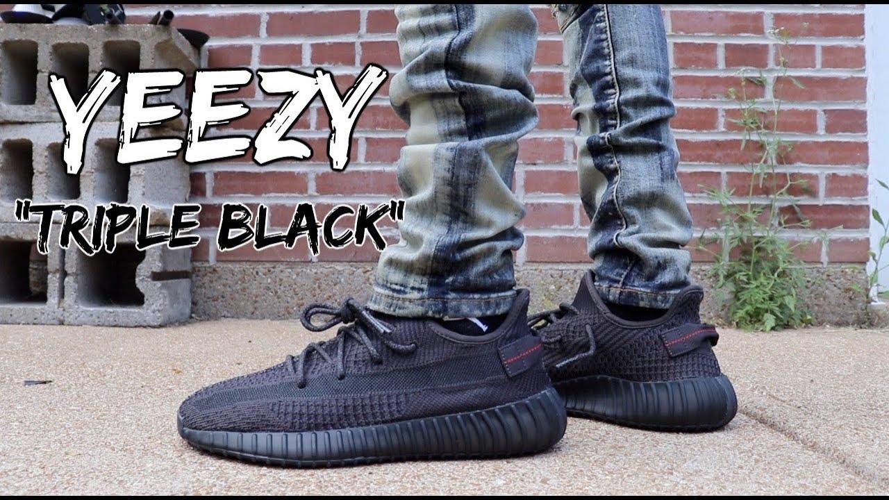 yeezy boost 350 v2 triple black