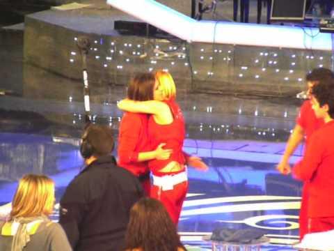 I quattro finalisti di Amici 9-Abbracci dopo la semifinale