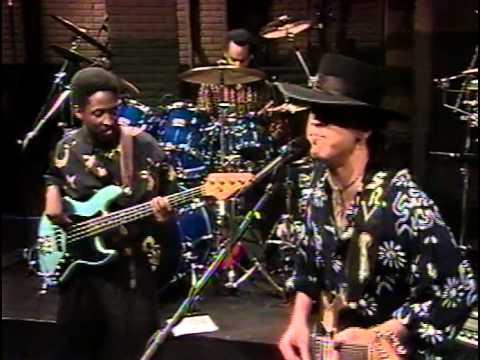 Stevie Ray Vaughan - Crossfire + Travis Walk (instrumental) [1989]