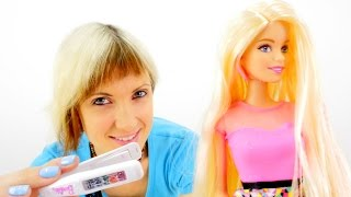 Кукла Барби и Маша. Видео для девочек. Красим волосы кукле. Распаковка Барби с цветными волосами(Видео про Барби, у который есть специальная краска для волос. Ты любишь наряжать своих кукол, выбирать для..., 2015-09-26T13:27:23.000Z)
