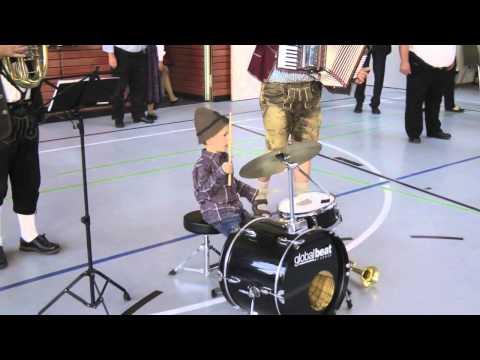 Ferdinand Schuler - der Jungmusikant am Schlagzeug