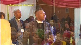 Praise & Worship at Operation Thixo Phendula service hosted by Pastor L Matodlana in PE
