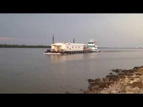 M/V Master Tyler shoving a barge