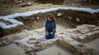 Israeli Highway Workers Find Ancient Byzantine Church !!!