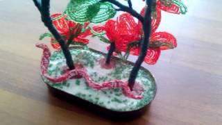Бисерные цветы. красивая поделка змея в бисерных цветах 2016