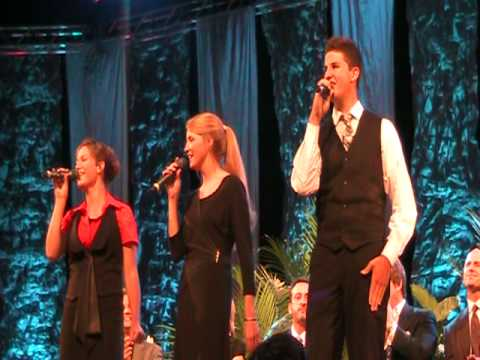 The Collingsworth Family sings Count Your Blessings