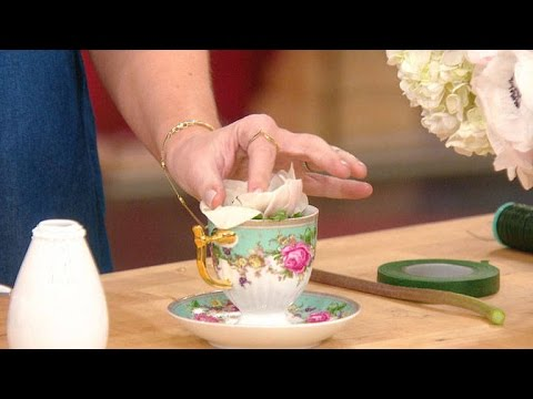 Tori Spelling Shows You How To Make An Easy Teacup Flower Arrangement Youtube