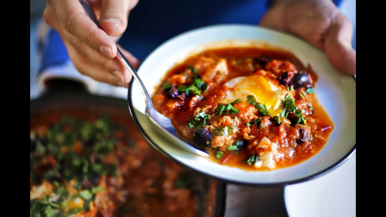 World's Best Breakfast Recipe - Shakshuka AKA Tomato Eggs - YouTube