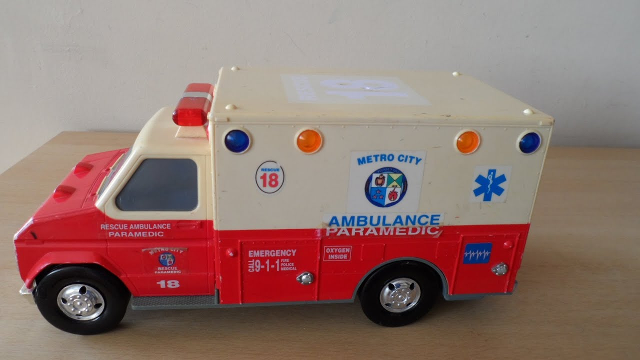 vintage tonka toys usa paramedic ambulance truck toy with