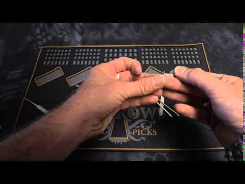 Взлом отмычками --   Raking Tips By SPARROWS (Bit of Detail on how to rake open locks. Victim Lock is a Master LockCo. #3)