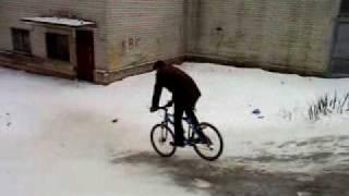 видео Ошиповка зимних шин цена в спб подготовка