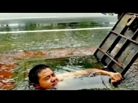 Watch: plumber jumps into well to ensure water supply for 100,000 people