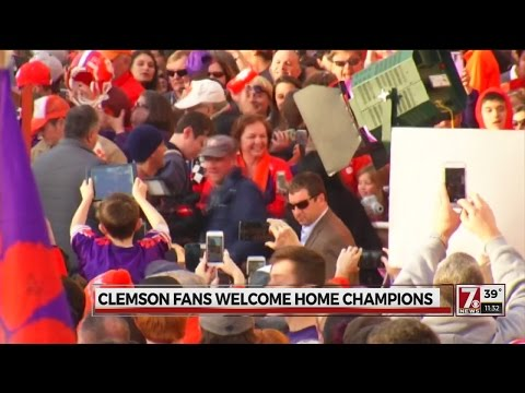 [Sport] Clemson fans welcome home champions