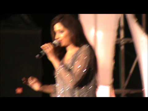 Shreya Ghoshal referring SGfamily tweeps & singing Naina Chaar on our request