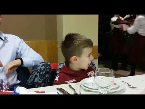 Il piccolo Lorenzo canta Grande Torino...😍❤
