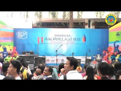 Bonavita at Mall Bale Kota, 24 Nop 2013; jam 16 part 1