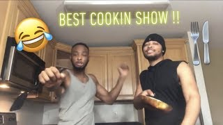COOKING WITH THE TWINS ft. CRAZY DANCE MOVES (HILARIOUS)