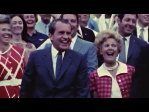 1970 ASG: President Nixon throws out first pitch