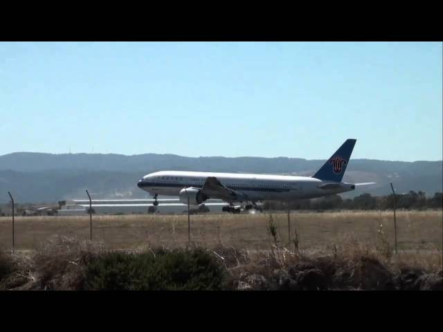 China Southern B777 Adelaide Jan 31 2011