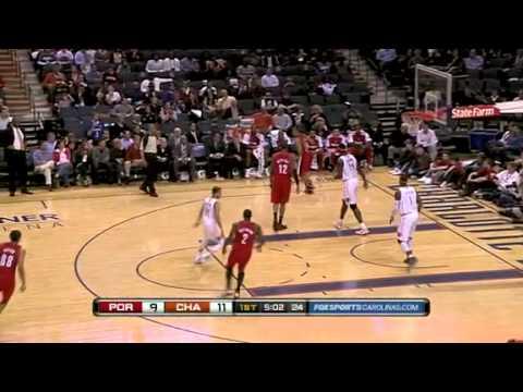 Nicolas Batum dunks on the Bobcats