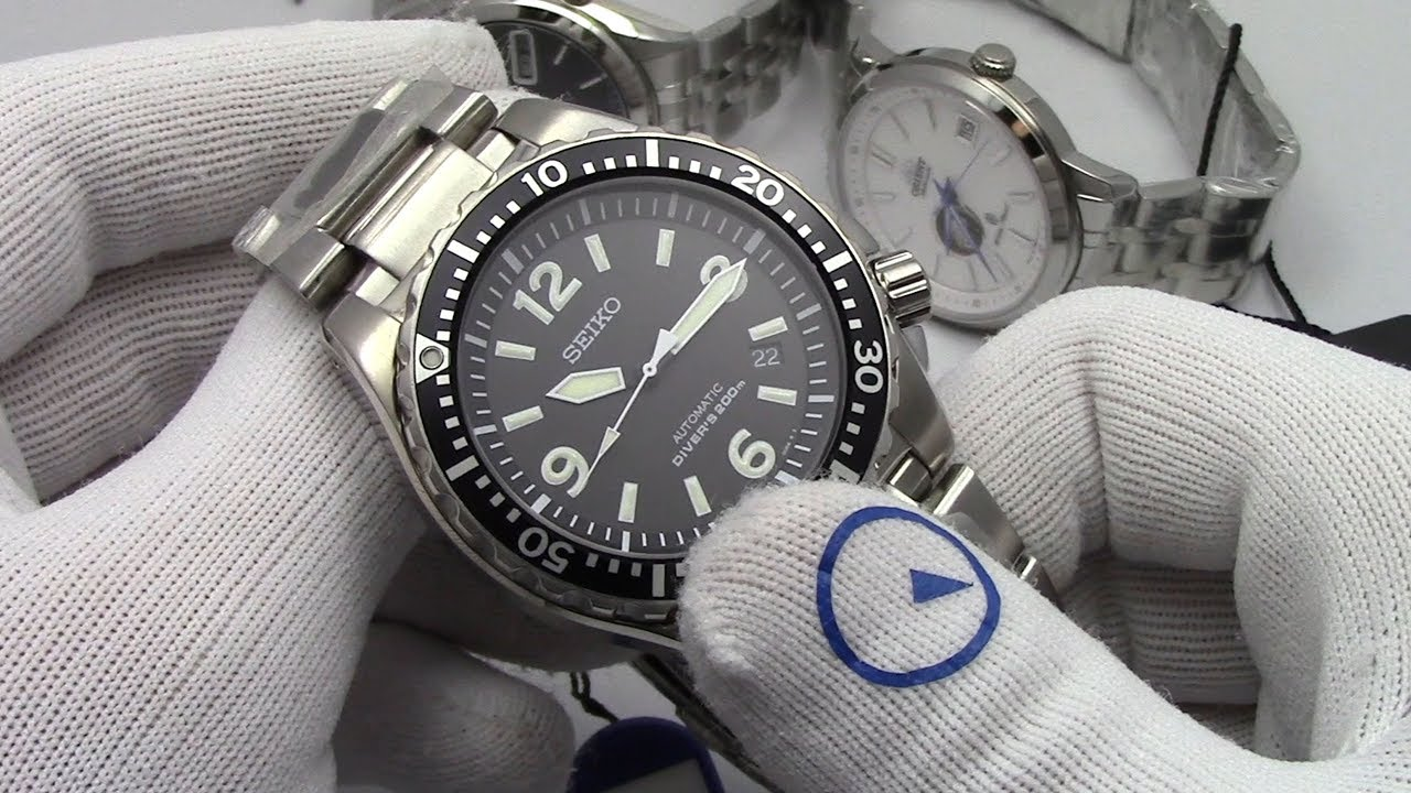 Seiko 5 Automatic Watch With Stainless Steel Bracelet Snkl23