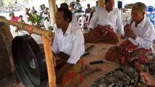 พิธีเบิกโรงเพลงตุ้มโมง  - Music  for  funeral ceremony  , Surin ,Thailand