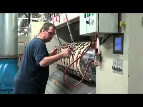 SERRARM Weightless Die Manipulation System - Acme Corrugated - YouTube