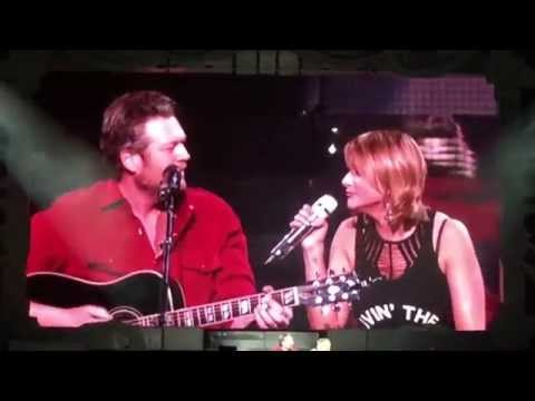 Blake Shelton Surprises Miranda Lambert On Stage In Okc