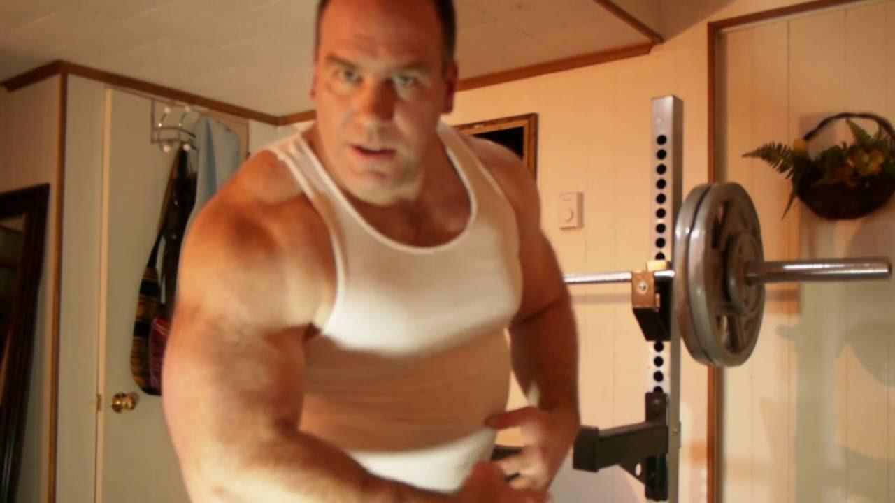 Good Lighting flexing good lighting natural muscle bulking - youtube