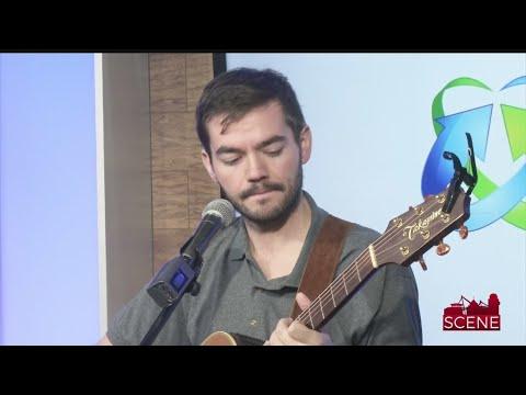 Brooks Dixon Performs