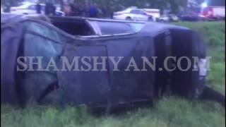 Շիրակի մարզում 28 ամյա վարորդը Mercedes ով բախվել է ծառին, այնուհետև կողաշրջվելով հայտնվել դաշտում