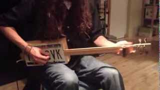 Secrets to the 4-String Cigar Box Guitar with Justin Johnson