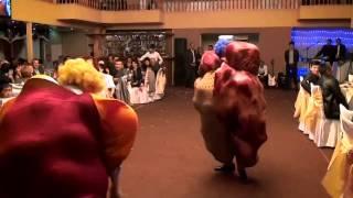 Смотреть Жаркент; свадьба,прикол с шарами онлайн