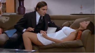 Bella ricca lieve difetto fisico cerca  Italian movie clip 1