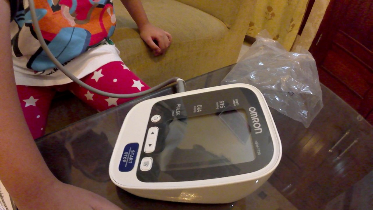 Unboxing Tensimeter Digital Omron Hem 7130 Oleh Akio Youtube