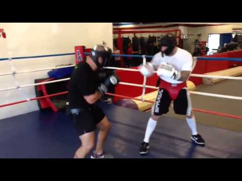 Anthony Day Sparring Alan Roach 02-02-13