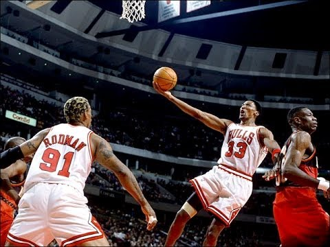 c47f13a4b101 Bulls vs. Hawks 1997 Playoffs Game 1 - YouTube