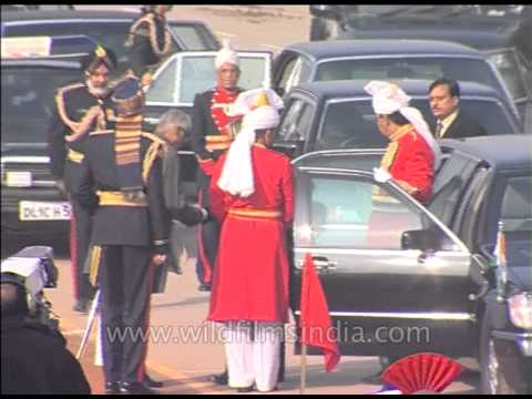President Dr. A.P.J. Abdul Kalam being welcomed at Republic Day Parade 2004