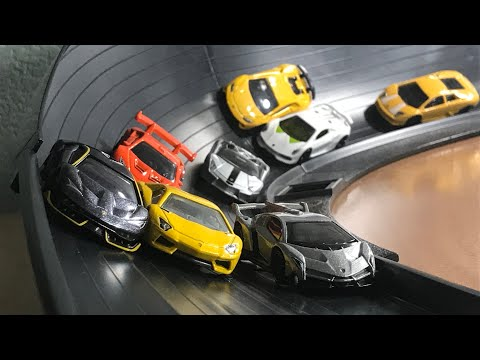 HOT WHEELS LAMBORGHINI FAT TRACK SUPER CURVE MERGE CRASH RACE | JonRacer3
