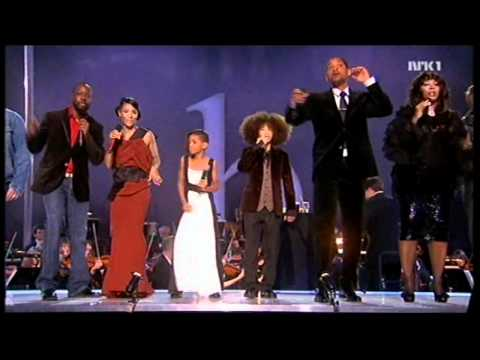 Willow's First Singing Debut At The Nobel Peace Prize In 09