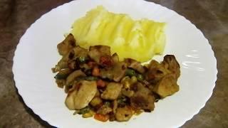 Жареное мясо с луком и мексиканской смесью