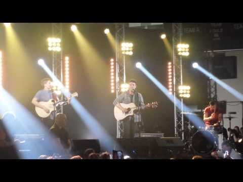 Taylor Henderson singing Girls Just want to Have Fun at Come Together Concert in Tassie on 15.11.14