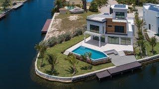 HQ, Hoya Quay   Crystal Harbour   Cayman Islands Sotheby