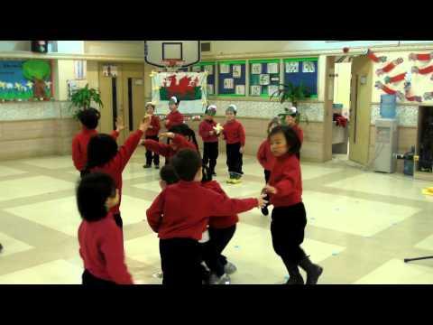 Y1 Kids perform Jac-Y-Do dance