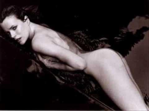 Twenty something women nude