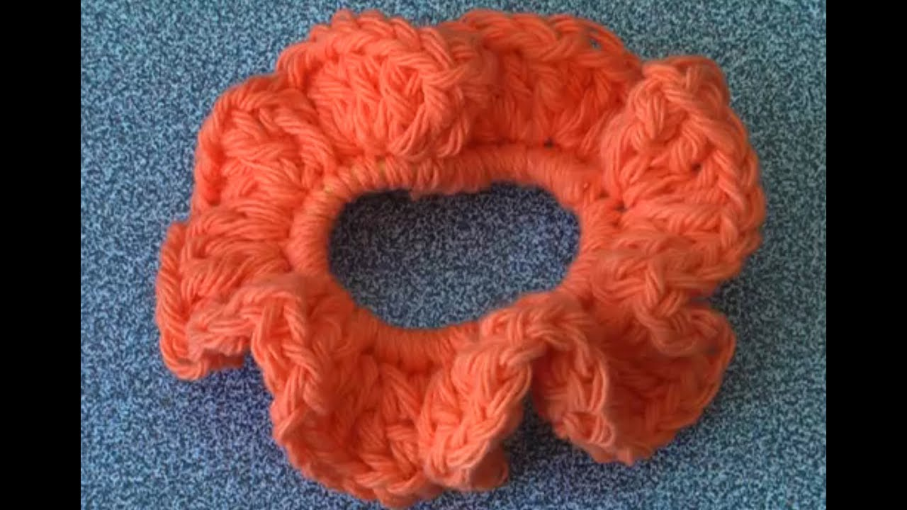 How to crochet a Scrunchie, super easy - YouTube